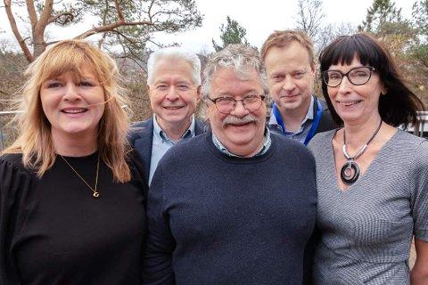DELEGASJON: Desse møtte frå Sogndal på fylkesårsmøtet i Vestland Høgre. F.v. Grethe Kristin Lerum, Arnt Hovland Munthe, Eivind Dahl, Arne Glenn Flåten og Gunnhild Bøyum.