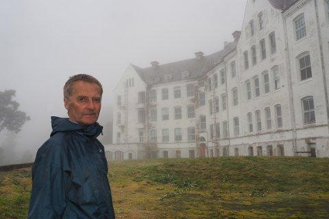HAR TRUA: Øystein Høyheim bestemte seg for å vera med investorane om å berga sanatoriebygget på Harastølen, sjølv om svært mange meiner det er umogleg.