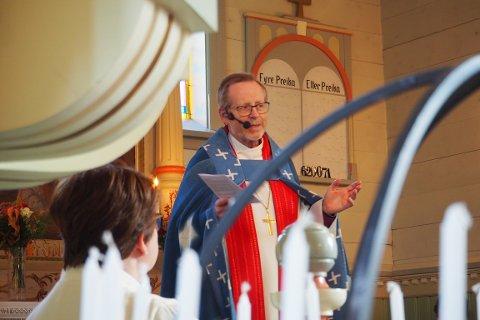 MØTTE PRESTANE I SOGN: Biskop Halvor Nordhaug hadde møte med prestane i Sogn i helga. Han kallar diskusjonen om kvinnelege prestar for krevjande.