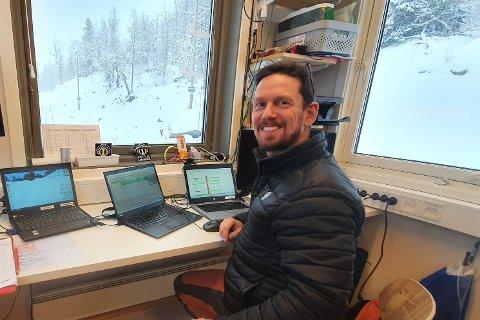 NØGD: Leiar av langrennsgruppa Tommy Harjo er strålande nøgd med å få Hermod Bjørkestøl som løypedesignar.
