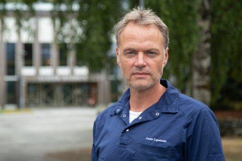 HALD UT: Morten Larsen ber sogndølene og lustringane om å halda ut litt til.
