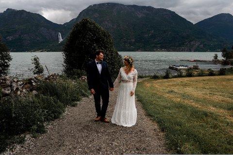 GIFT: Sogndølen Endre Hilleren og Kristina Ladstein gifta seg i Luster i sommar.