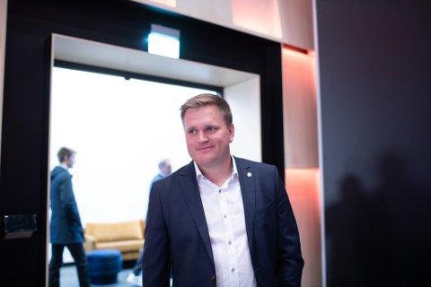 SPENT: Aleksander Øren Heen (Sp) vil i løpet av få timar finna ut om han må flytta til Oslo og bli stortingsrepresentant.