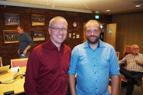 INVITERTE: Ordførar Arnstein Menes og tenesteleiar Joakim Systaddal i Sogndal inviterte lustringane til å tenkja høgt om samarbeid i Sogn på tvers av kommunegrensene.