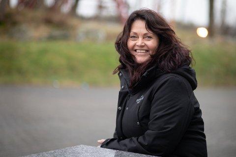Heidi Reiersen, er ny daglig leder i Sola frivilligsentral. – Jeg er heldig som får treffe mange kjekke mennesker i denne jobben, sier hun.