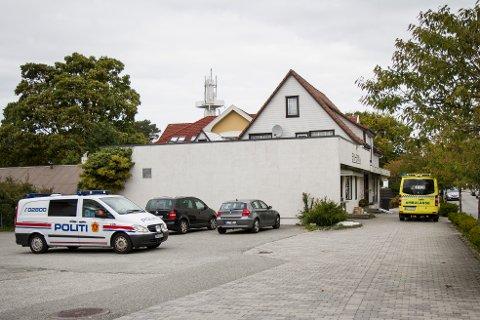 Politiet måtte bistå helsevesenet med en pasient i Krossen tirsdag ettermiddag.