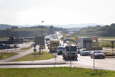 Stengningen av Byhaugtunnelen i Stavanger har skapt mer trafikk i Sømmevågen.