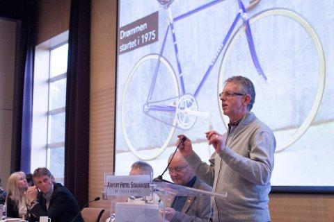 Tor Helge Skretting forteller om drømmen om en sykkelvelodrom for tinget i NCF i 2014. Selv har han jobbet for et sykkelanlegg siden 70-tallet.