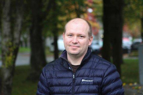 Geir Ove Skaarstad er bekymret for at politikerne vil ha det for travelt med å ekspressbehandle Transportkorridor Vest slik at ikke kulvert forbi Snøde blir grundigere vurdert.