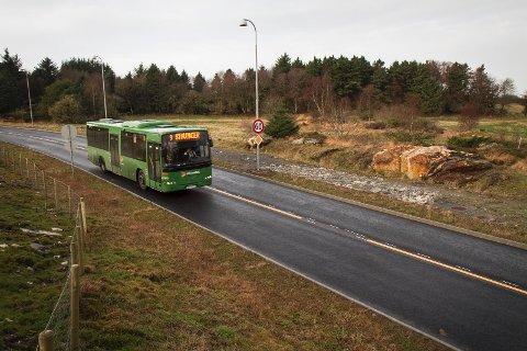 Bussveien gjennom kommunen skal delvis finansieres av staten. Det politiske flertallet i Sola mener staten bør betale enda mer.