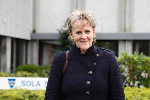 Sp-politiker Anne Marie Joa mener kommunen må forholde seg til den nye regionale planen for jordvern, selv om Sola er kommunen som har bygget ned mest matjord de siste årene.