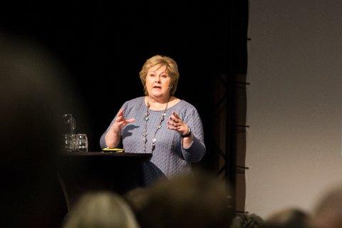 Statsminister Erna Solberg tok en pause fra regjeringskabalen for å tale til næringslivet under Solamøtet.