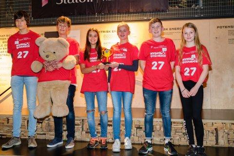 Tjerand Prante-Bø, Thomas Austigard, Christina Skourtsos Kasapi, Olivia Frestad West, Martin Benjamin Træland og Elisabeth Elseth Ersland fikk Prosjektprisen under den regionale Lego League-finalen.