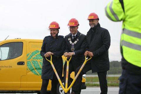 [b]LOGISTIKK:[/b] Her tar blant annet Ole Ueland første spadestikk for DHLs nye terminal med DHLs administrerende direktør Terje Aarbog. Begge kommer til Logistikkdagen 2018 kommende uke.