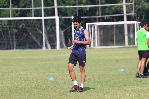 Satser alt: Peerames Junhok på førstelagstrening med Nakhon Ratchasima F.C.
