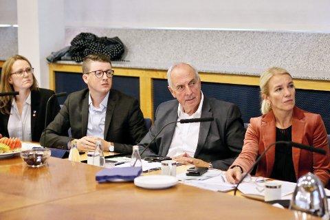 TIL OSLO: De fire ordførerne på Nord-Jæren og fylkesordføreren må pent reise til Oslo mandag for å møte Jon Georg Dale.