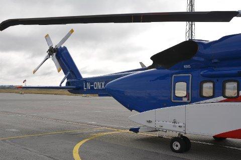 BRÅKER: Sikorsky S-92 oppleves av naboer til flyplassen som en støyversting. (Foto: Helge Nyhus)