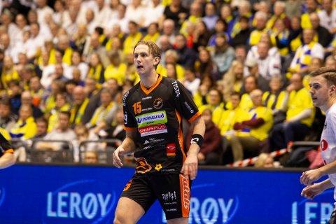 Tanangergutt Kristian Stranden skal spille i dansk elitehåndball. Her fra cupfinalen mot Elverum i 2018, da han var en del av Halden. Samme sesong kom han på årets lag.