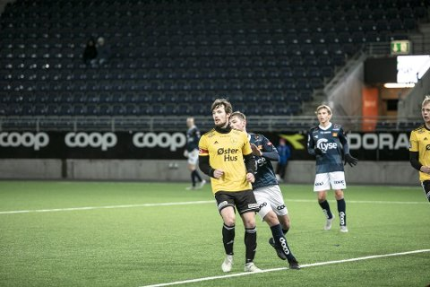 Aleksander Idland trer inn i trener-teamet til Vaulen. Her fra treningskampen mot Viking før 2019-sesongen.
