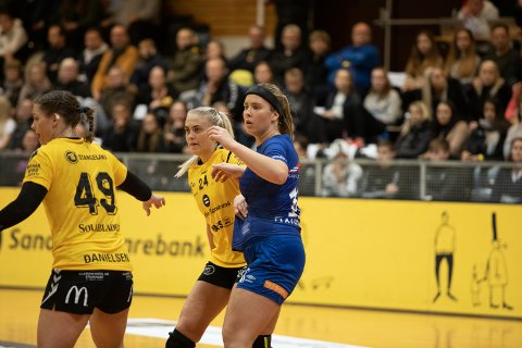Kaja Horst Haugseng (i blått) vender tilbake til Sola.
