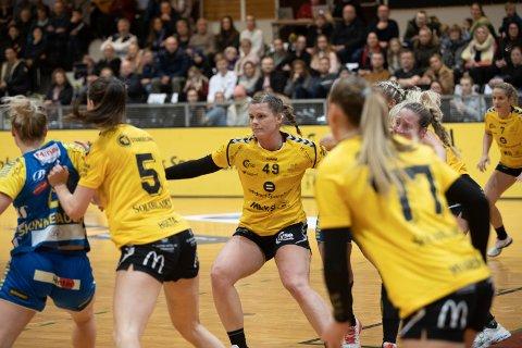 Hege Holgersen Danielsen og Sola-damene må spille to kamper for tomme tribuner.