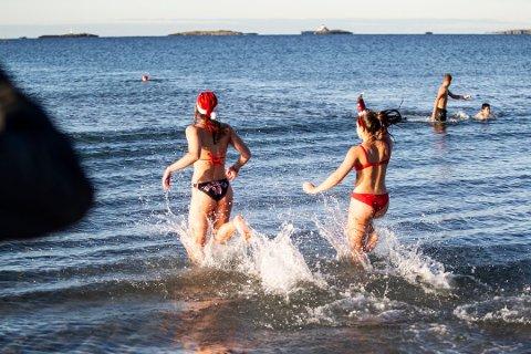 Nissebadingen på Solastranden med elever fra Sola videregående skole, tar ufrivillig pause i 2020 grunnet koronapandemien.