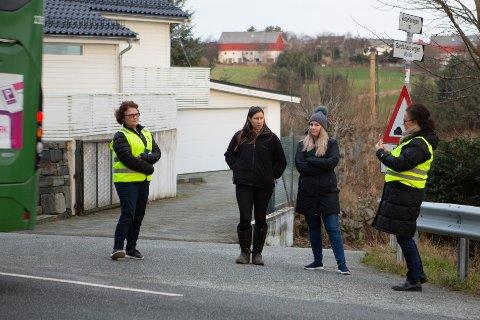 Cecilie Carr Saxeide og Irene Helland møtte reflekskledde representanter fra styret i NAF Stavanger og omegn forrige uke. Nå svarer fylkeskommunen.