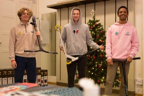 Thane McEntire, Simon Aanestad og Ruben Kean synes det er kjekt å være i Solakrossen i jula.