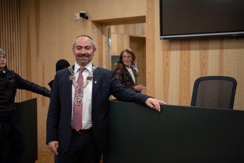 Ordfører Tom Henning Slethei ber IVAR gjenåpne gjenvinningsstasjonene.