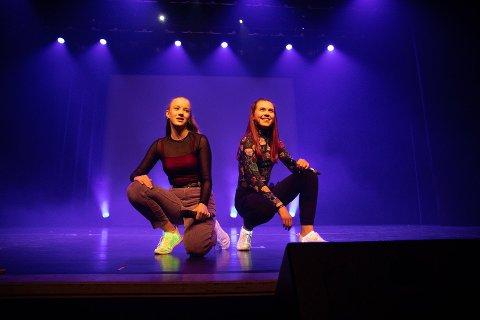 Rap-duoen Freya & Helena kom videre til fylkesmønstringen etter UKM Sola.