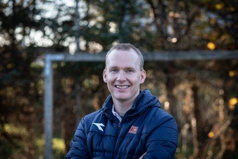 Morten Jensen  gleder seg stort til å kunne lede Viking i første seriekamp mot Brann.