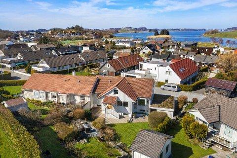 Denne boligen på Sørnes ligger for salg til 3.990.000 og er på 224 kvadratmeter.