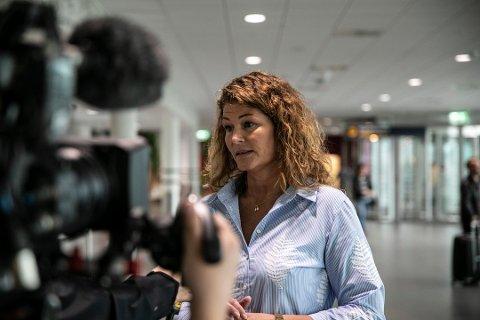 Lufthavnsjef Anette Sigmundstad, her avbildet i forbindelse med streiken som lammet flyplassen i april 2019.