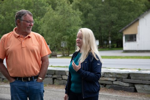 Stig Hansen (Ap) og Mona Aksdal (Sp) vil ha bobilplasser i Ølbergskogen.