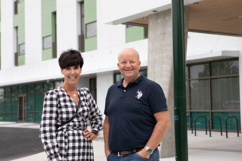 Høyre-politikerne Janne Stangeland Rege og Robert Sæbø vil ha samboergaranti i sykehjemmene inn i kommunens forskrifter.