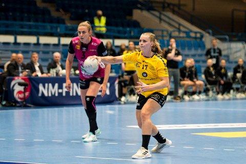Kristiane Knutsen i aksjon under NM-finalen i håndball.