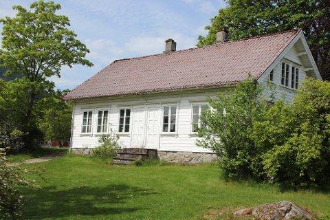 RIVES TROLIG: Frøken Brynhuset passer ikke lenger inn i skoleområdet på Jørpeland, og blir trolig revet.