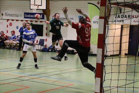 GOD FØRSTEOMGANG: Staal scoret flittig før pause, men tapte til slutt klart for Havørn. Foto: Steinar Haaland