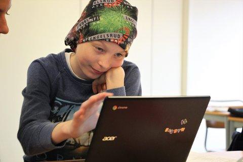 REDAKTØR FOR EN UKE: Markus Jørmeland Idsøe (11) er redaktør for én av de fire avisene som sjetteklassingene på Fjelltun skole lager denne uken.