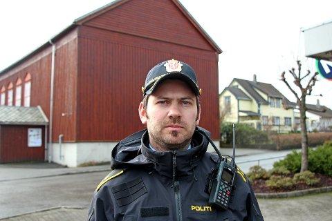 GJØRE TILTAK: Politikontakt Jostein Flatebø ber bedrifter gjøre tiltak for å beskytte seg mot innbrudd og tyveri. (Arkivfoto)