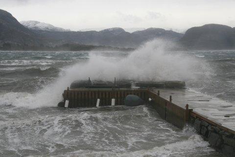 Det blir ei helg med mye vind i Ryfylke. Trolig blir det full storm med orkan i kastene. (Arkivfoto)