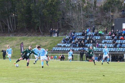 Lars Edvard Danielsen (med ballen) scoret Staals første mål og Bendik Nag (t.h.) scoret mål nummer to.