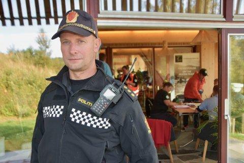 FUNGERER: Politioverbetjent Sten Kristian Lund opplyser at lasermåleren fungerer perfekt også i store og dype tunneler.