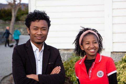 MISJONSSTUDENTER: Yannick (25) og RIna (20) er misjonsstudenter utplassert hos Strand Kirke.