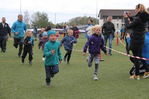 I FJOR: 1. mai i fjor ble Strandamila arrangert for 40. gang. Her fra fjorårets løp. I år er dette arrangementet satt på vent.