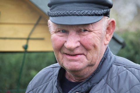 HAGEPYNT: Jan Viggo Rødberg fra Ålgård har bodd på Jørpeland i 30 år. Her har han fylt hagen med modellbygg av tre.
