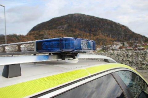 AVSLUTTET: Politiet avsluttet festen på Tau hvor nærmere 50 ungdommer var samlet.