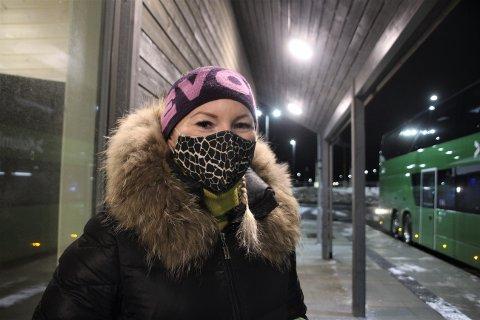 FORNØGD: Marzena Czajkowska begynte å pendla med buss då bompengeinnkrevinga starta i Ryfast.