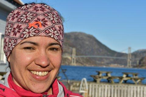 GLAD: Sjølv om det blei nokre tunge veker i fjor vår, er Diana Maria Løland nå glad for å vera tilbake i jobb.