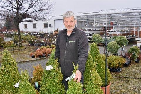 TILBAKE TIL START: Audun Hetlelid har drevet hagesenter på Jørpeland i over 20 år.